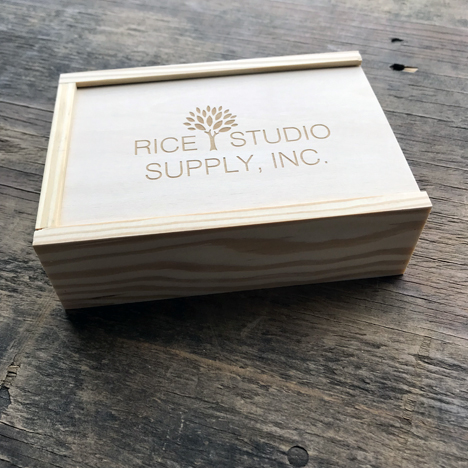 RUSTIC WOOD PRINT BOX